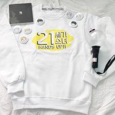 MXL Outfitters kpop finger heart logo crewneck sweatshirt dksDBZ