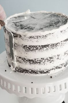 How to Frost a Cake (Super helpful considering last time i had to frost a cake i did everything she says NOT to do.)