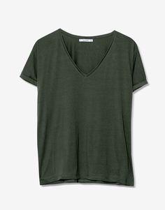 Camiseta básica cuello pico - Camisetas - Ropa - Mujer - PULL&BEAR México