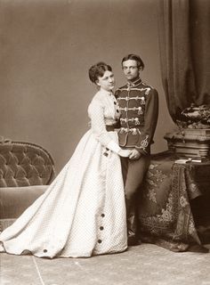 1870s 1920 Outfits, Vintage Photography, Fashion Photography, 1870s Fashion, Men's Fashion, Victorian Portraits, Fashion Plates, Queen Anne, Victorian Era