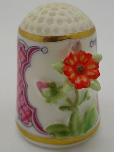 Cinquefoil. Franklin Porcelain.  Thimble-Dedal-Fingerhut.
