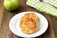 "♥Paleo Fried Green Tomatoes♥ Ingredients""      2 medium green tomatoes;     1 large egg;     2 tablespoons water;     1 cup almond flour;     1 tsp onion powder;     1/2 tsp garlic powder;     1/4 tsp cayenne pepper;     3/4 teaspoon Celtic sea salt;     Freshly ground black pepper;     1/4 cup bacon fat."