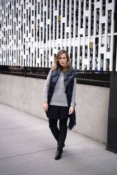 70 Trendy How To Wear Winter Boots Outfit Ideas Scarfs Winter Sweater Outfits, Winter Outfits For Work, Winter Outfits Women, Casual Winter Outfits, Winter Sweaters, Cable Knit Sweaters, Outfit Winter, How To Wear A Blanket Scarf, How To Wear Scarves