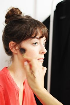 Globos de Ouro 2017   Getting Ready: Victoria Guerra - Moda - Vogue Portugal
