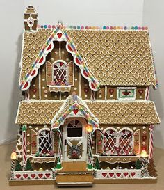 My Miniature Madness: Sweet Christmas Cottage - Gingerbread Exterior Easy Gingerbread House, Gingerbread House Designs, Gingerbread Village, Gingerbread Cookies, Gingerbread House Template, Christmas Treats, Christmas Cookies, Christmas Houses, Candy House