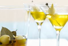 Saffron-Scented Gibson with Pickled Cocktail Onions - Oprah.com