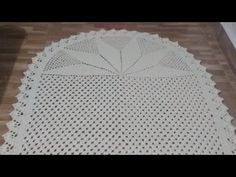 Doily Patterns, Make It Yourself, Blog, Poncho, Mary, Youtube, Crochet Curtain Pattern, Crochet Dollies, Rectangular Rugs