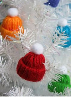 Miniature Winter Yarn Hat | Spectacularly Easy DIY Ornaments for Your Christmas Tree