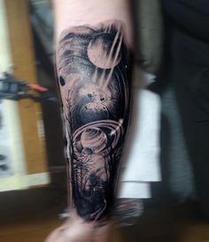 101 Amazing Universe Tattoo Ideas That Will Blow Your Mind! Forearm Tattoos, Body Tattoos, Sleeve Tattoos, Geometric Universe Tattoo, Outer Space Tattoos, Astronomy Tattoo, Galaxy Tattoos, Ufo Tattoo, Aquarius Tattoo