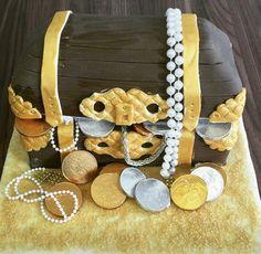 Treasure box themed birthday cake