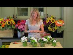 Small flower arrangements on pinterest floral design for Arrangement petite cuisine