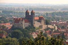 Stift Quedlinburg Guten Morgen ich wünsche euch einen schönen Tag. Schöne Grüße   (Beitrag darf gerne geteilt werden!)  #Quedlinburg #Altenburgwarte #Harz #SchlossbergQuedlinburg #Schlossberg #Schloss #StiftQuedlinburg #Canon #Urlaub2017 #Weltkulturerbe #Unesco #Sommer #Altstadt #Lindenbeinturm #Künstler