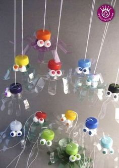 You are looking for a funny Halloween decoration? You want the giveaways for the next … - Upcycled Crafts Kids Crafts, Preschool Crafts, Diy And Crafts, Arts And Crafts, Creative Crafts, Plastic Bottle Crafts, Plastic Bottles, Pet Bottle, Water Bottle
