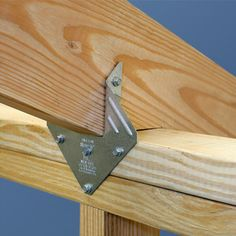 Simpson Strong-Tie Hurricane Tie at The Home Depot – Mobile carport byg selvGone are the days when decorating was a Framing Construction, Shed Construction, Trailer Casa, Wood Projects, Woodworking Projects, Woodworking Books, Woodworking Joints, Hurricane Ties, Diy Shed Plans