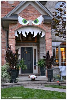 DIY monster face for your front porch.  Monster'd Front Porch.  Hallowe'en decoration.