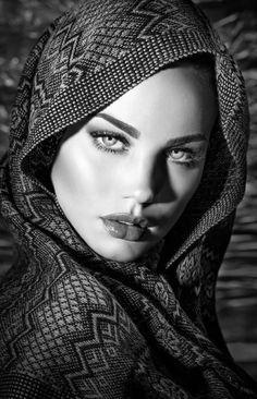 Ideas Eye Photography Portraits Eyebrows For 2019 Black And White Portraits, Black White Photos, Black And White Photography, Foto Portrait, Female Portrait, Woman Portrait, Female Art, Girl Face, Woman Face