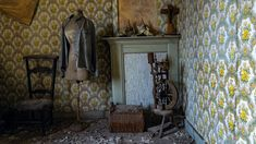 Take a look inside this beautiful decaying farmhouse where everything was left behind. A walk there is a bit dangerous because of . Abandoned, Farmhouse, Valentines, Flooring, Places, Paradise, Walls, Beautiful, Look