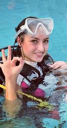 Women's Diving, Scuba Diving Gear, Diving Suit, Swimming Diving, Mermaid Cove, Scuba Girl, Womens Wetsuit, Diving Equipment, Snorkeling