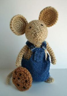 Give a mouse a cookie! Crochet Mouse and Cookie by yarnabees on Etsy