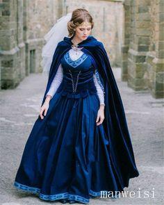 "Traje medieval ""Outliers"": vestido e colete - Kleider - Gowns Medieval Gown, Medieval Wedding, Medieval Costume, Renaissance Clothing, Medieval Fashion, Pretty Costume, Beautiful Gowns, The Dress, Cotton Dresses"