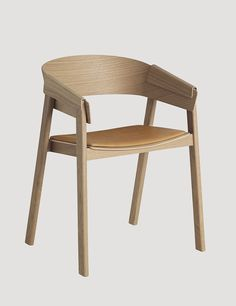 COVER Chair leather in oak / Silk cognac leather, designed by Thomas Bentzen #muuto #muutodesign