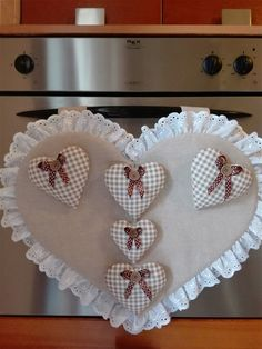 Kitchen Cupboard Organization, Kitchen Handles, Sewing Rooms, Patch Quilt, Kitchen Towels, Pillow Design, Needlework, Diy And Crafts, Sewing Projects