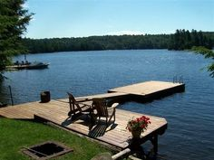 Haliburton 3 br Beach Front Vacation Rental Cottage: Private lakefront cottage on prestigious Kennisis Lake