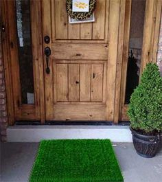 Zesty Nest's extra-long artificial grass mat ensures cleaner shoes every time you enter your home, meaning less dirt and grime tracked onto your floor. Innovative design so closely mimics the look of