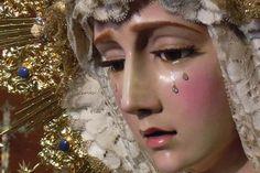 Crean una Virgen que llora..