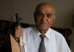 Recientemente falleció el mundialmente famoso maestro y reiteradas veces recordman del Libro Guinness de los Récords Edvard Ghazaryan, el único maestro del arte de micro escultura en todo el mundo.