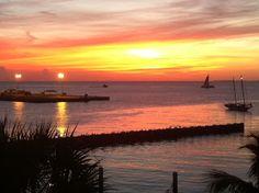#KeyWest #sunset #MallorySquare Visit Florida, Florida Usa, Florida Vacation, Florida Travel, Florida Keys, Travel English, Water Crafts, Go Camping, Key West