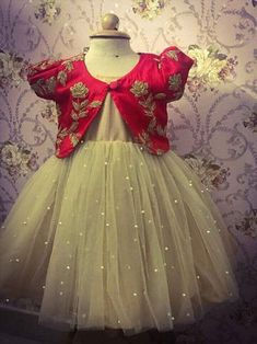 New Fashion Girl Model Children Ideas New Fashion Girl Model Kinder Ideen Kids Party Wear Dresses, Kids Dress Wear, Baby Girl Party Dresses, Kids Gown, Dresses Kids Girl, Kids Wear, Designer Dresses For Kids, Girls Frock Design, Kids Frocks Design