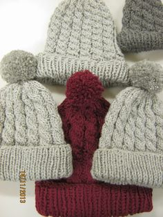 Kässää Mankolassa Crochet Slippers, Knit Crochet, Diy Clothes Accessories, Bobble Hats, Crochet Clothes, Handicraft, Mittens, Knitted Hats, Needlework