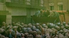 SOYLENT GREEN Dystopian Films, Dystopian Future, Mad Max, Groove Movie, Harry Harrison, Soylent Green, Joseph Cotten, Disaster Film, The Truman Show