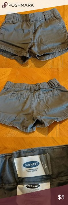 Old Navy shorts Old Navy shorts. Girls size 6. Excellent condition. Smoke free home. Adjustable waist. Old Navy Bottoms Shorts