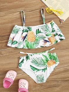 To find out about the Girls Random Leaf Print Layered Ruffle Bikini Set at SHEIN, part of our latest Girls Swimwear ready to shop online today! Bathing Suits For Teens, Summer Bathing Suits, Cute Bathing Suits, Best Swimwear, Kids Swimwear, Cute Bikinis, Cute Swimsuits, Mode Du Bikini, Bikini Outfits