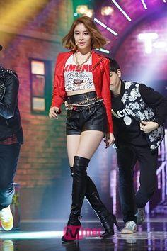 Korean Fashion Trends, Fashion 101, Kpop Fashion, Fashion Brands, Fashion Edgy, Stage Outfits, Girl Outfits, Park Jiyeon, Streetwear