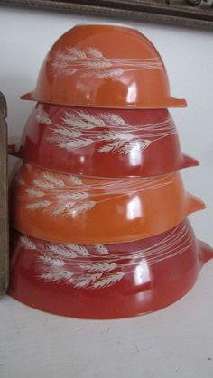 Vintage Pyrex Nesting Mixing bowls- 4 pc set - Autumn Harvest - Wheat Design - C