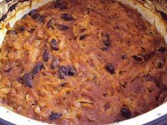 Fenséges étel, gyerekkoromban sokszor készítette a nagyi, azóta is szerertjük! Hozzávalók 1 kg vecsési savanyú káposzta, 20 dkg bab, 1 db füstölt csülök (helyette 0,5 kg oldalas vagy dagadó), 1 doboz paradicsompüré, őrölt bors,... Hungarian Recipes, Soups And Stews, Nutella, Mashed Potatoes, Banana Bread, Macaroni And Cheese, Foodies, Main Dishes, Food And Drink