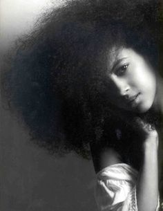 """Need tips on how to care for your #NaturalHair? Check out """"The Natural Hair Guide For Beginners"""" http://www.strawberricurls.com/natural-hair-guide-for-beginners/"""