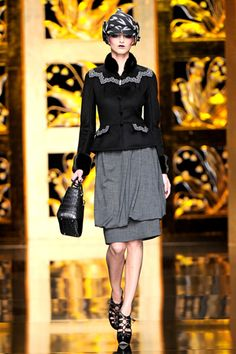 Christian Dior Fall 2009 Ready-to-Wear Collection Slideshow on Style.com