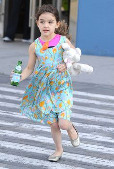 Suri Cruise Catching A Helicopter In New York
