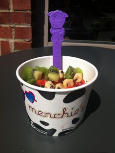 i didnt know they had cow spoons!! i thought they only had the menchie ones. i always keep my spoon