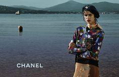 Chanel presenta su colección Crucero en campaña http://www.modaencalle.com/chanel-crucero/