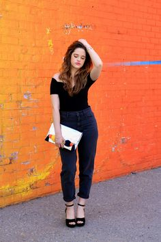 How to wear mom jeans.