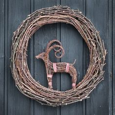 This would make a great Yule wreath. Swedish Christmas, Christmas 2019, Winter Christmas, Winter Holidays, Christmas Wreaths, Christmas Crafts, Yule Crafts, Twig Crafts, Christmas Arrangements
