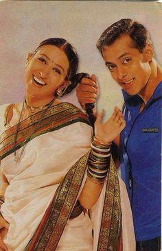 Marathi Saree, Nauvari Saree, Bollywood Pictures, Karisma Kapoor, Vintage Bollywood, Asian Celebrities, Most Beautiful Indian Actress, Salman Khan, Golden Age
