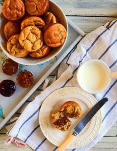 Muffiny bezglutenowe z masła orzechowego i bananów (bez cukru) Gluten Free Baking, Gluten Free Recipes, Healthy Recipes, Healthy Food, Foods With Gluten, Pretzel Bites, Free Food, Bread, Breakfast
