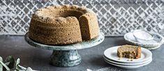 Maustekakku on kahvipöydän jouluinen klassikko, joka maistuu vuodesta toiseen. Vanilla Cake, Tiramisu, Baking, Ethnic Recipes, Desserts, Food, Tailgate Desserts, Deserts, Bakken