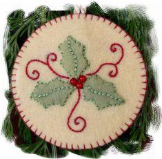 38 Original Felt Ornaments Decoration Ideas For Your Christmas Tree 07